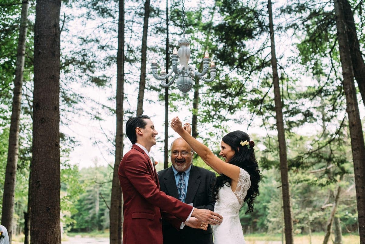upstate-new-york-rustic-woodsy-wedding-18