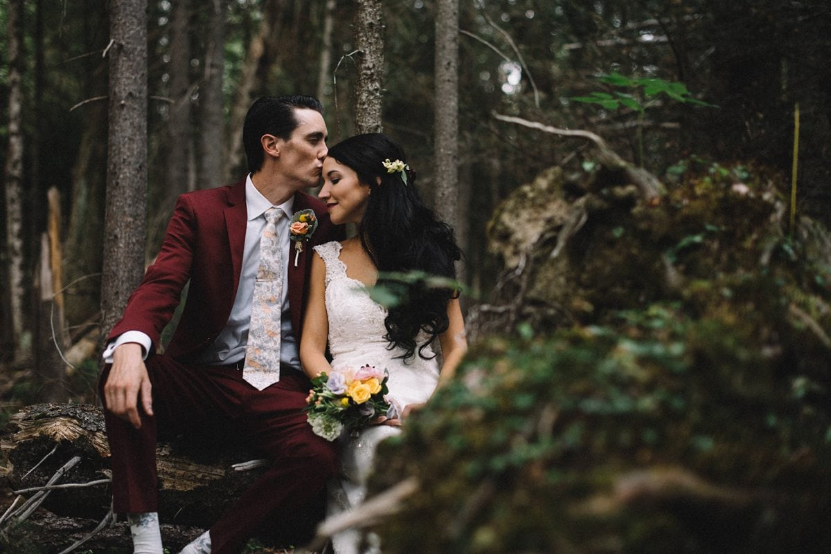 upstate-new-york-rustic-woodsy-wedding-34