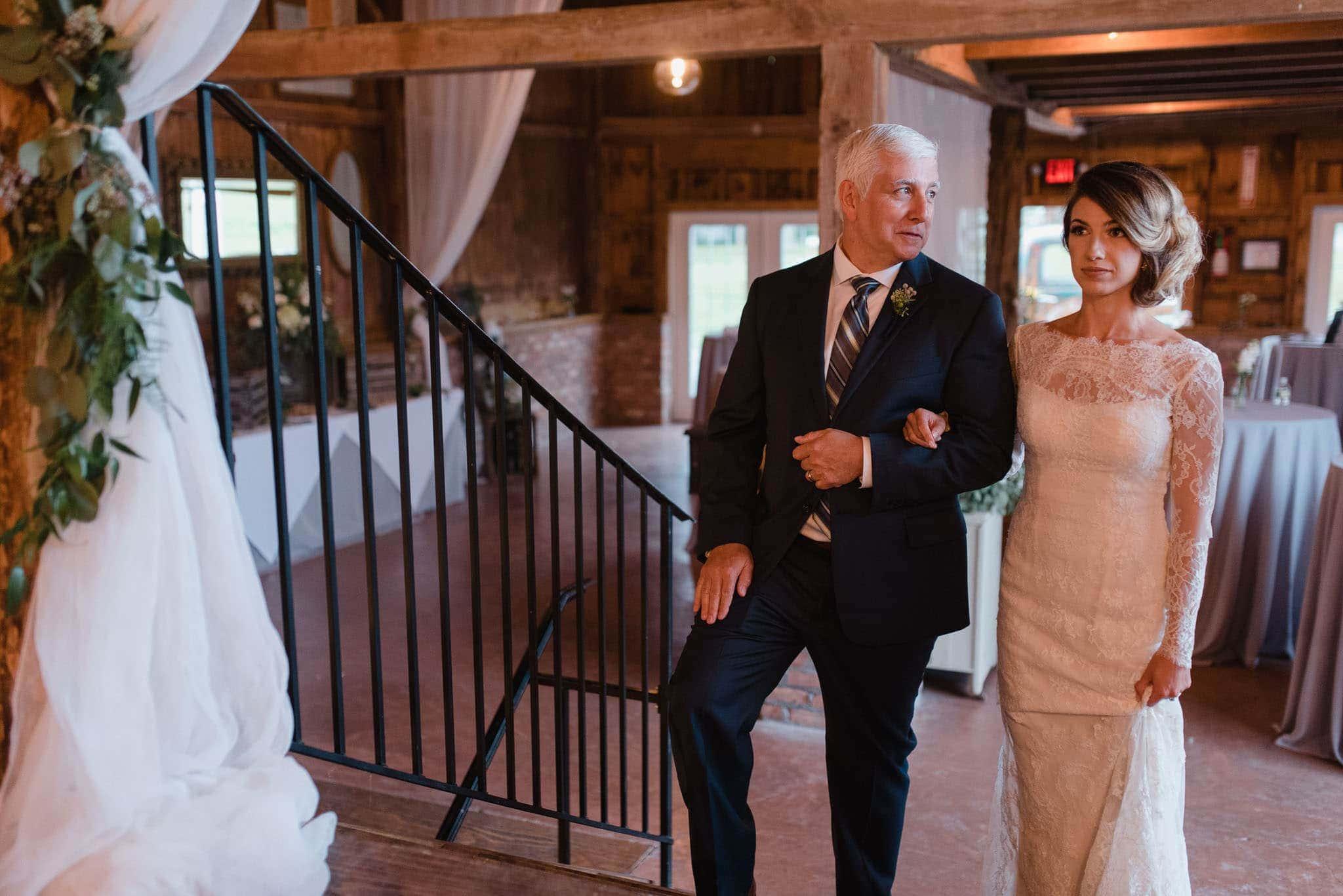 hayloft-on-the-arch-wedding-33