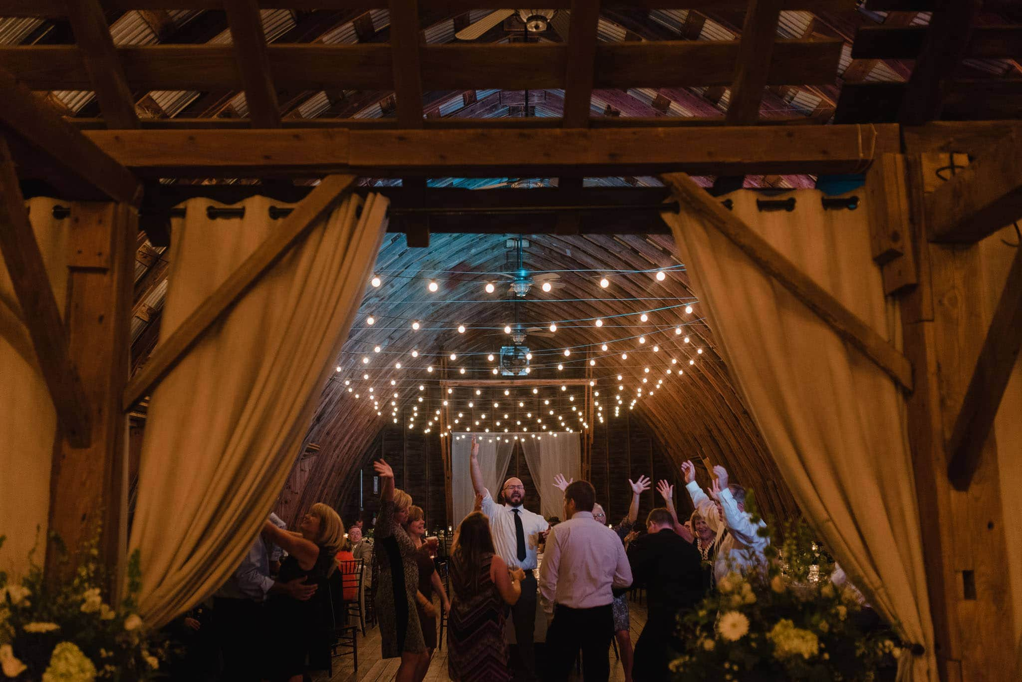 hayloft-on-the-arch-wedding-79